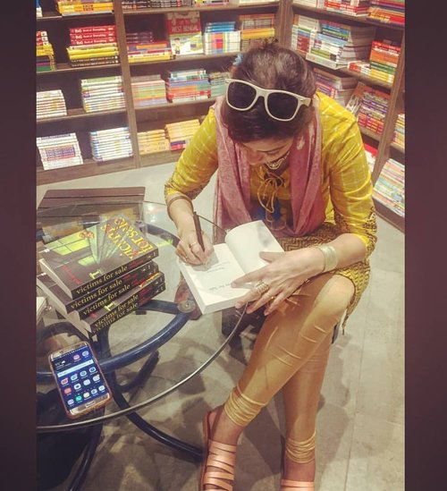 STARMARK. CALCUTTA (KOLKATA). 2018 - Signing copies of VICTIMS FOR SALE at Starmark's South City #bookstore in Kolkata after a super-successful book launch by Jamie Dragon (of the office of the U.S. Consulate General and poet, writer and activist Saira Shah Halim). Starmark is one of India's biggest and most iconic bookstores with a very strong presence in Calcutta (Kolkata).