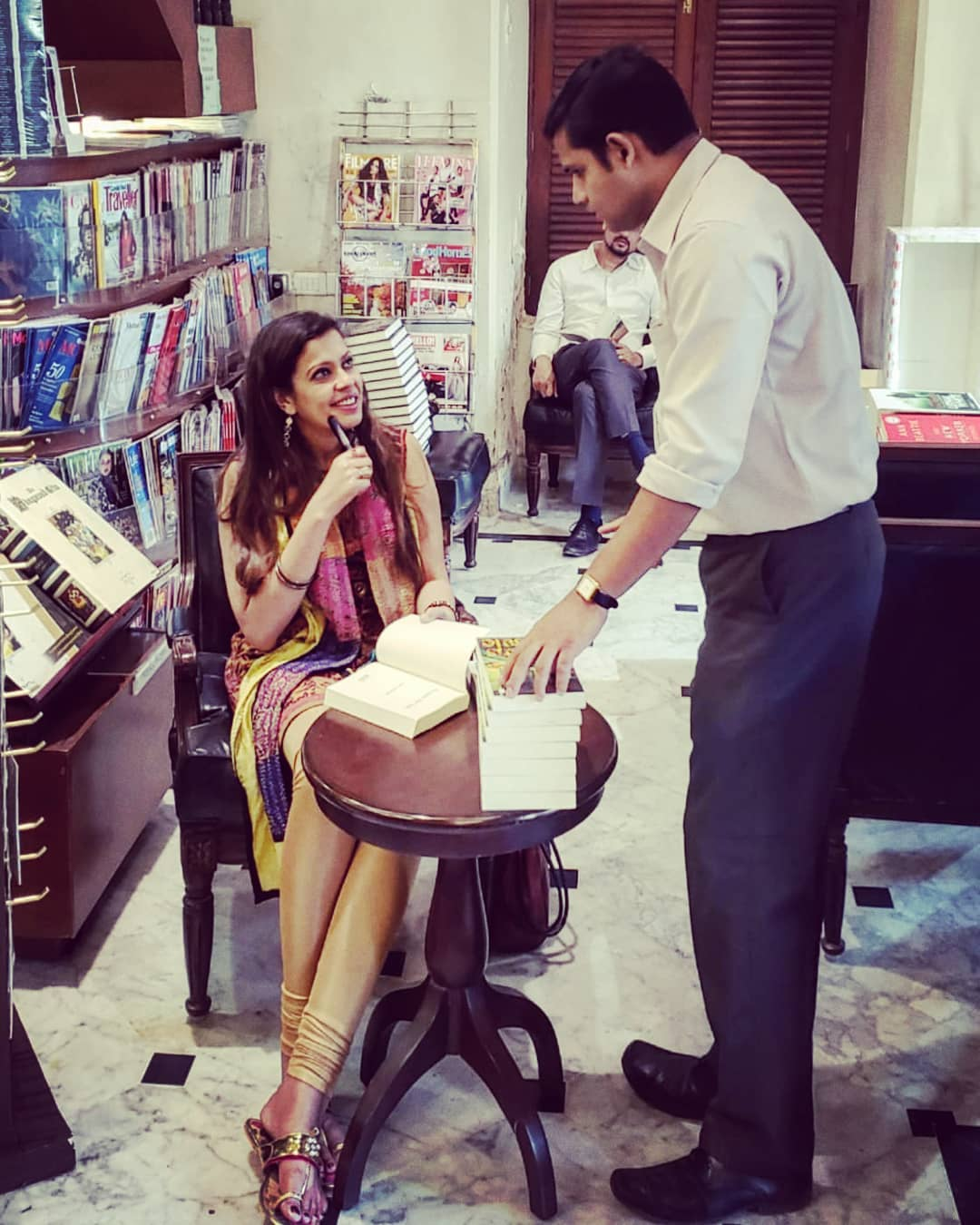 KITAB KHANA. MUMBAI. JAN. 2019. - A candid moment captured while signing copies of the bestselling VICTIMS FOR SALE at Mumbai's legacy standalone bookstore, KITAB KHANA.KEYWORDS: Kitab Khana, South Mumbai, South Bombay, Marine Drive Mumbai, Fort Mumbai, authors in Mumbai, Mumbai, Bombay, bookstores, book signing, Nish Amarnath, Nischinta Amarnath, Victims For Sale