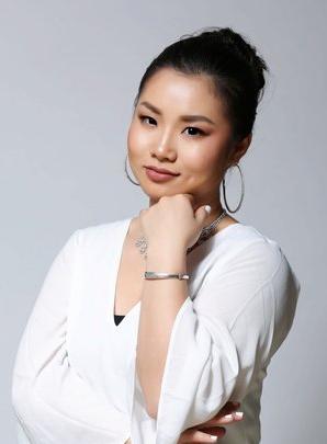 Masu | Lucy   Co-Founder + Business Director + Master Artist   View Portfolio