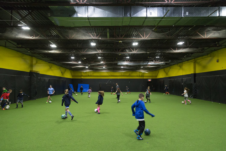 Off-season Indoor Training - Showtime Soccer's indoor speed and agility, core workout and soccer specific skills sessions are growing in popularity ever year! We pride ourselves in developing confidence for players of all ages. Every kid has their own story to tell. We want to give them the courage and self-determination to accomplish their goals.