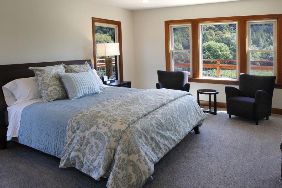 14-Master Bedroom.jpg