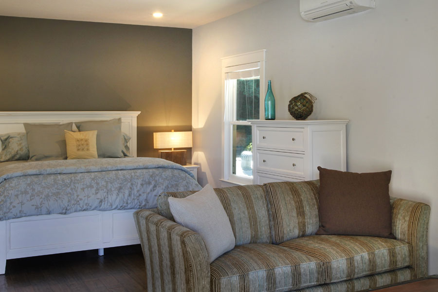 23-Guest House Sitting Area to Bedroom.jpg
