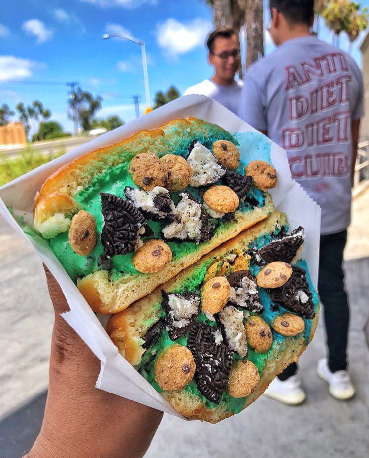 Cookie Monster(Blue) & Mint Monster(Green) Ice Cream inside Milky Bun topped w/ Oreos & Cookie Crisp
