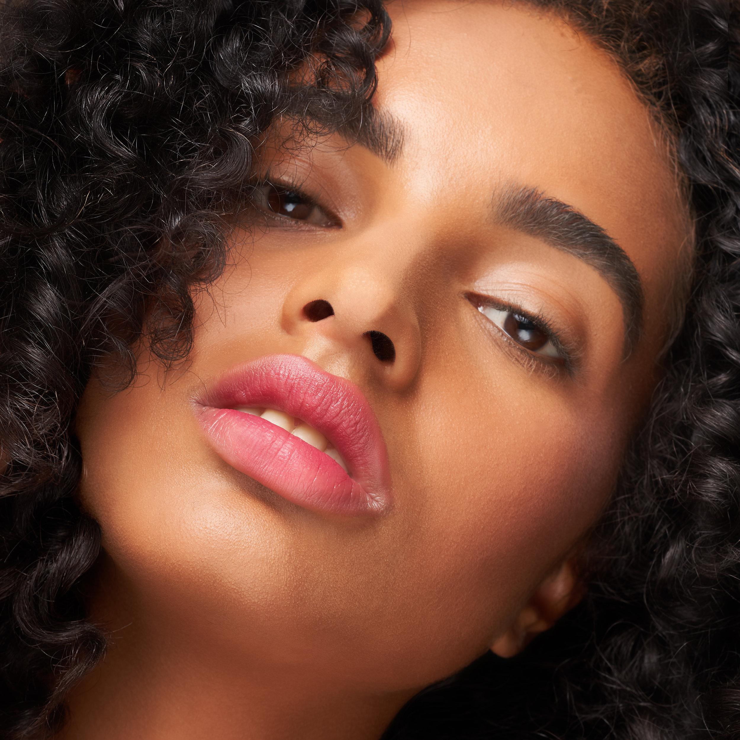 MOIRA-Cosmetics-Compelete-WEearFoundation-.jpg