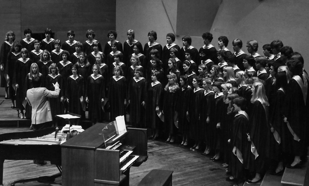 Bob Peterson conducting Concert Choir at Orchestra Hall in 1981