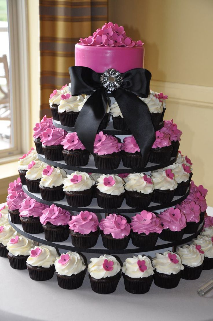 cupcake tower wedding.jpg