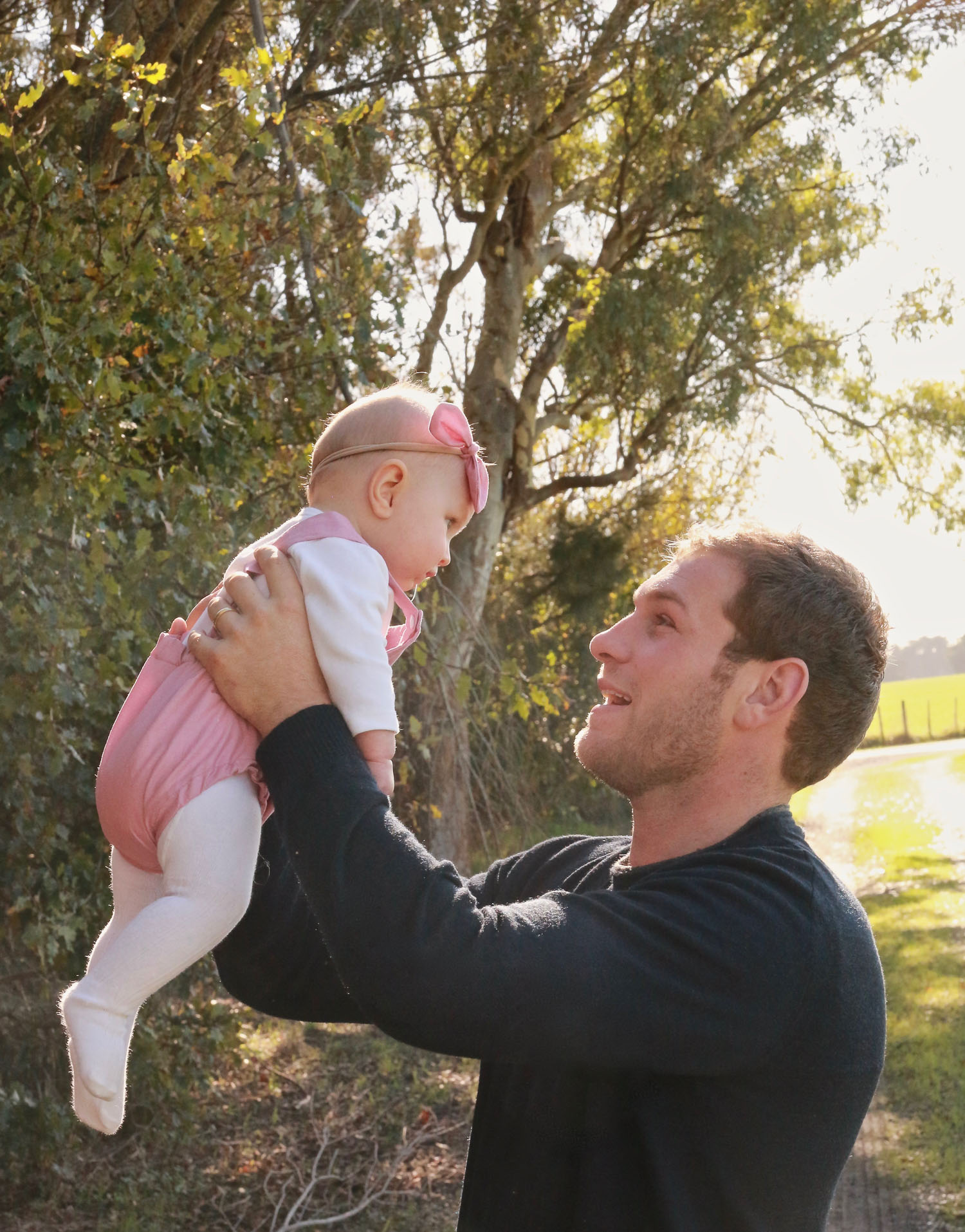 daddy-and-his-baby-girl-flying-high-in-daddies-arms.jpg