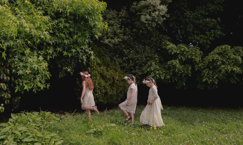 wedding-photography-flower-girls-adventuring.jpg