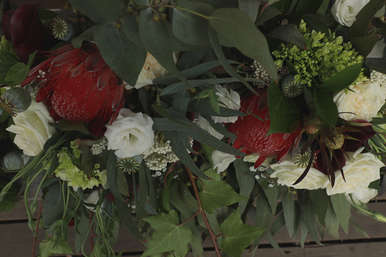 wedding-photography-beautiful-naitve-florals.jpg