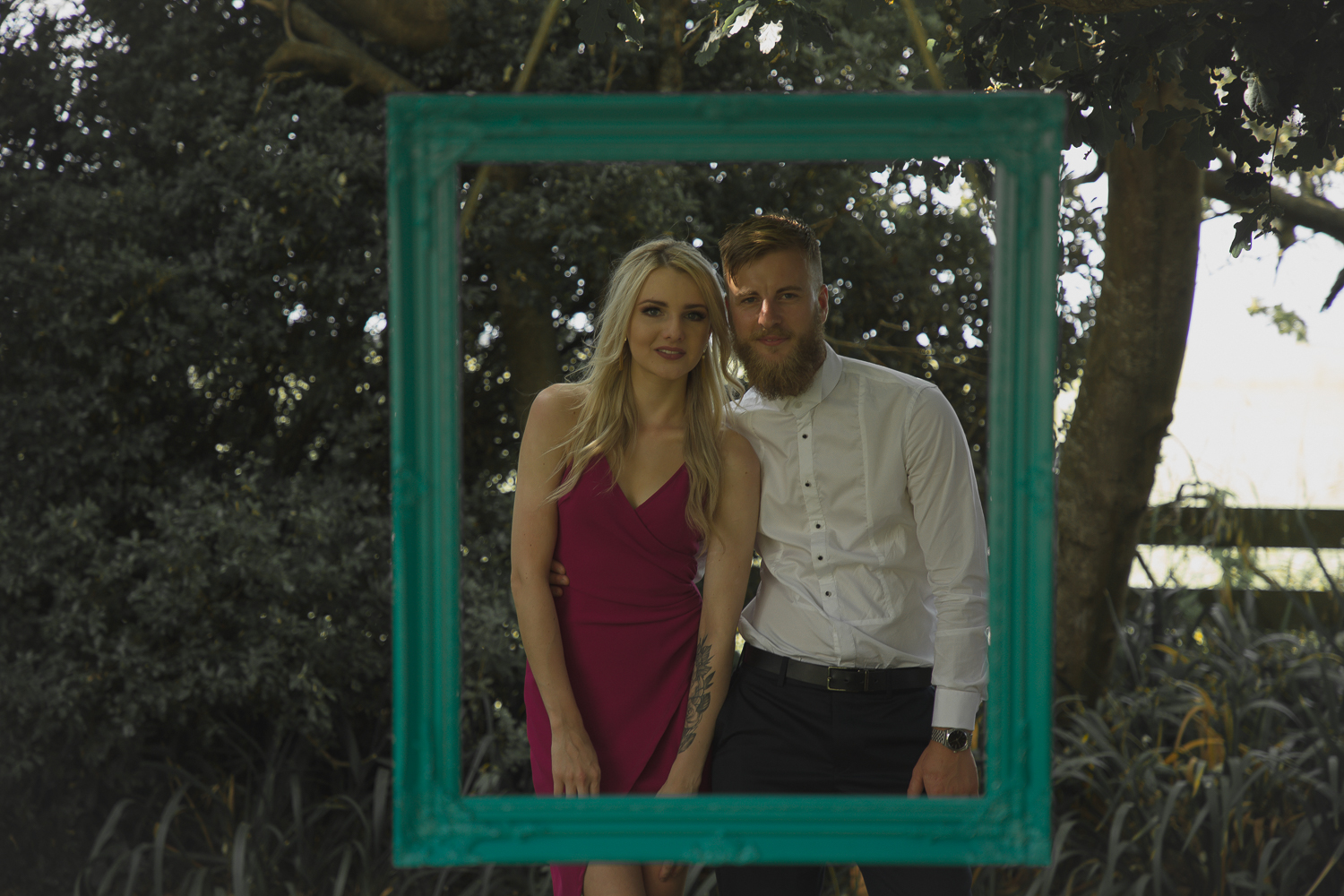 wedding-photography-guests-having-photo-in-hanging-frame.jpg