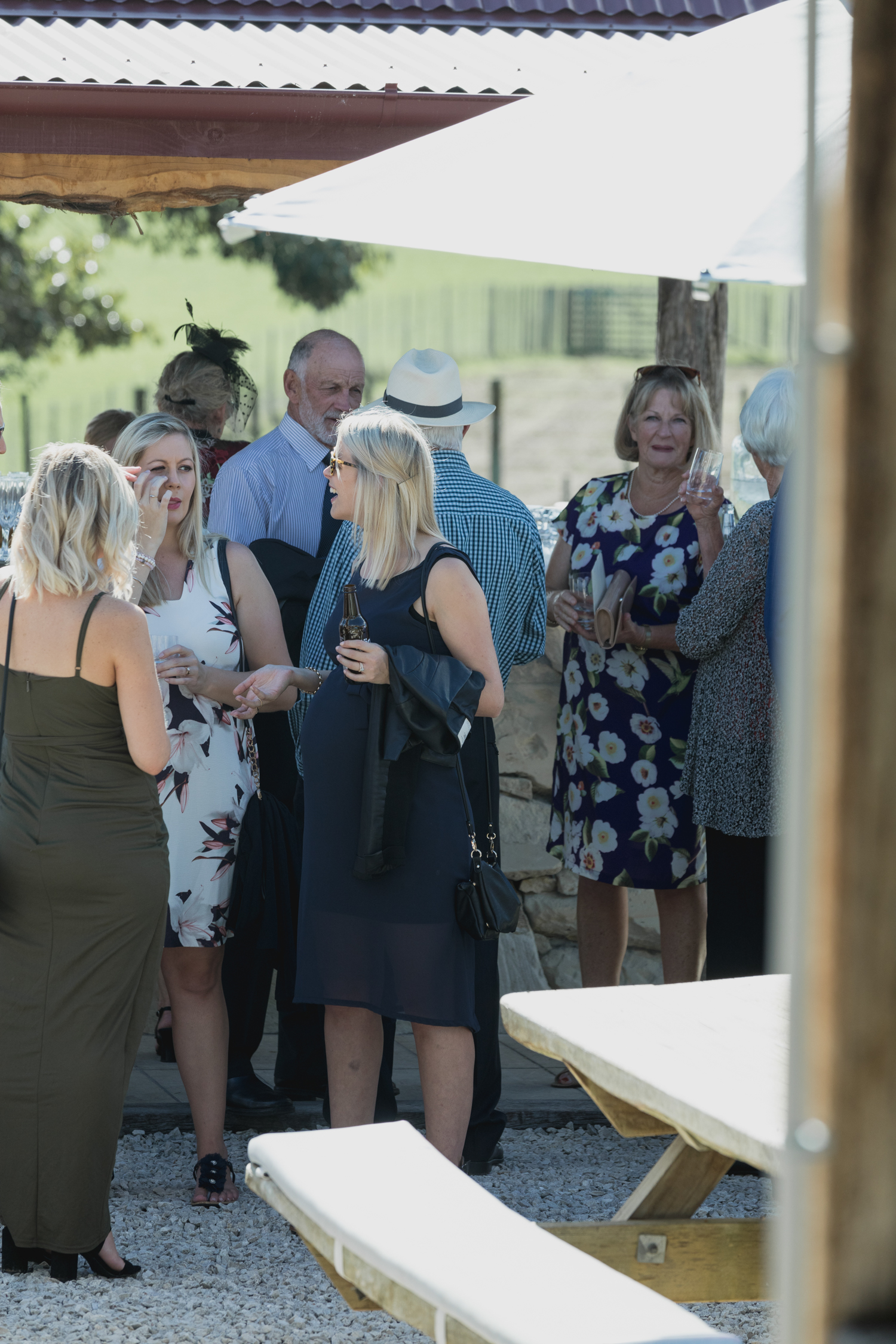 wedding-at-the-red-barn-new-zealand-wedding-photographer-guests-arriving-at-venue.jpg