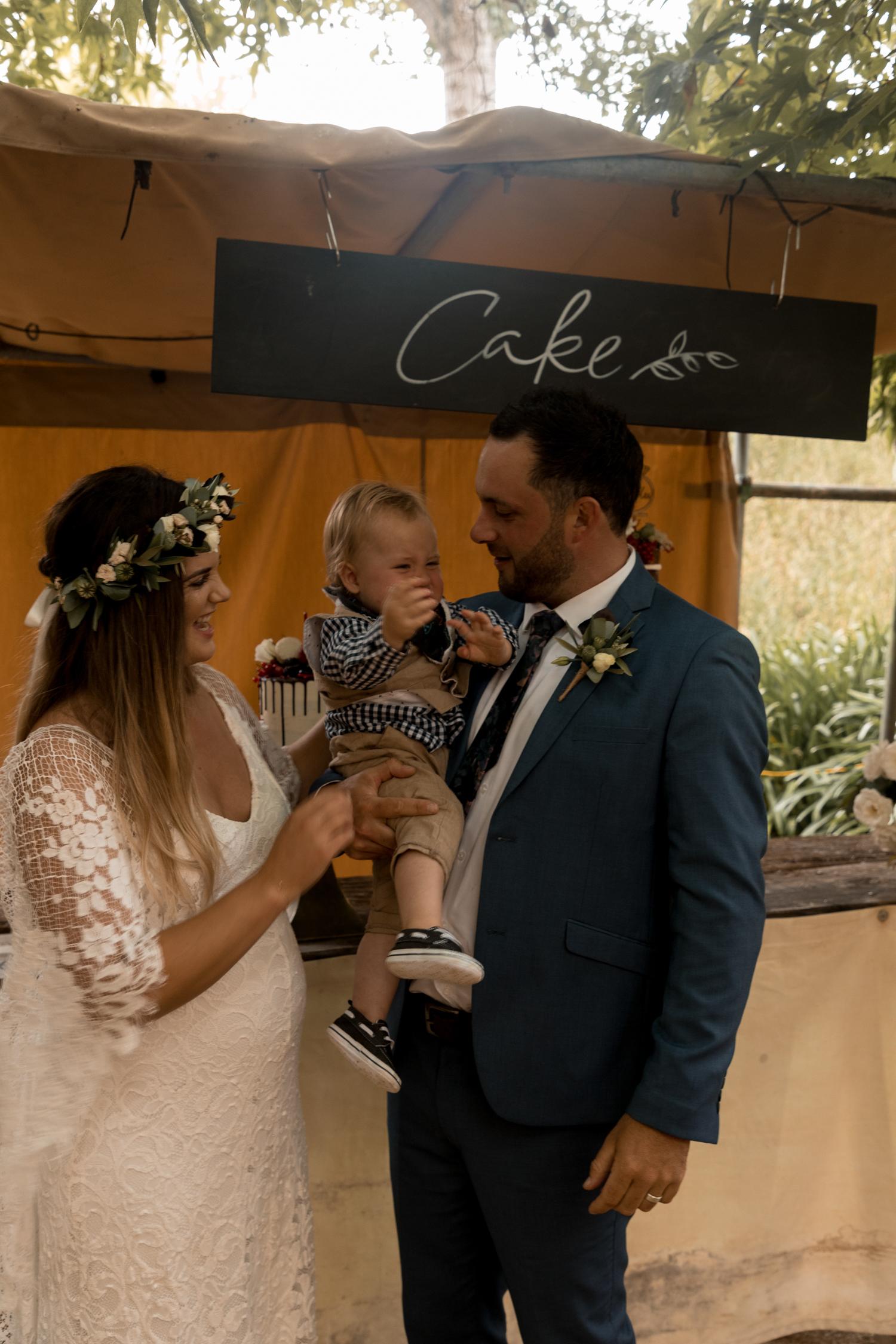 black-barn-winery-wedding-hawkes-bay-wedding-photographer-family.jpg