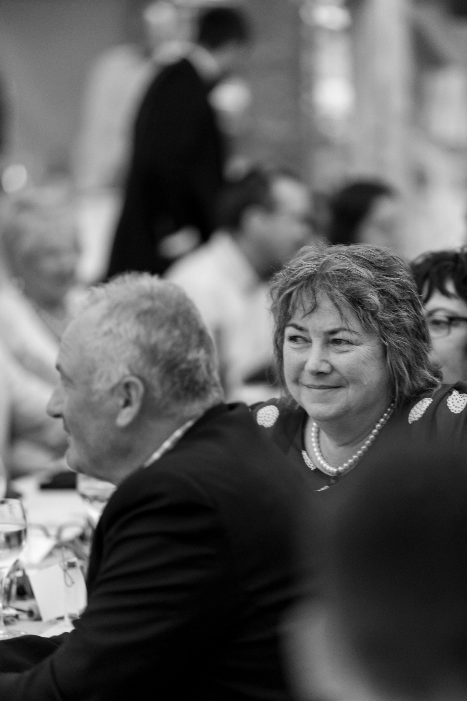 black-barn-winery-wedding-hawkes-bay-wedding-photographer-guests-at-reception.jpg