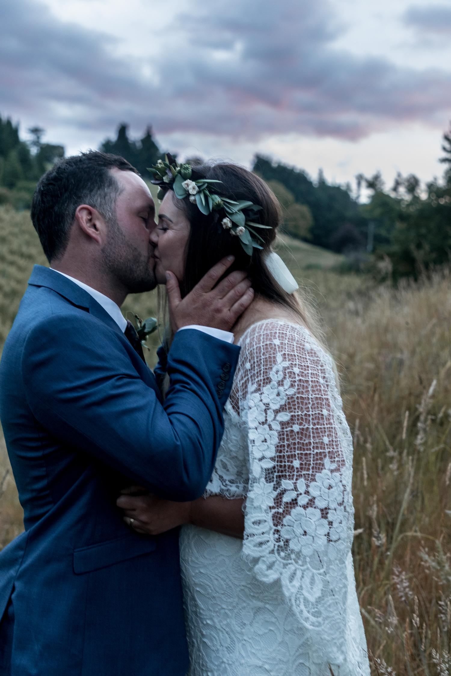 black-barn-winery-wedding-hawkes-bay-wedding-photographer-bride-and-groom-at-sunset.jpg