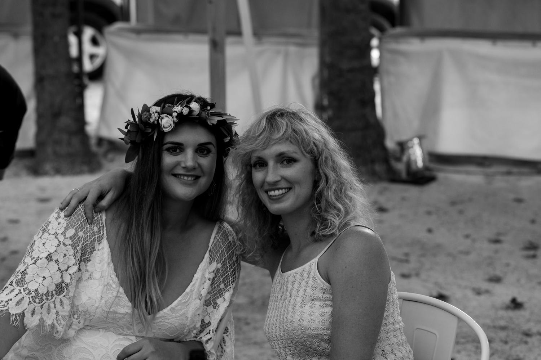 black-barn-winery-wedding-hawkes-bay-wedding-photographer-bride-with-blonde-frineds.jpg