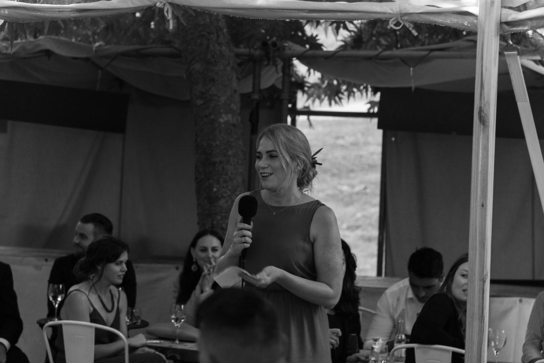 black-barn-winery-wedding-hawkes-bay-wedding-photographer-maid-of-honour-speech.jpg
