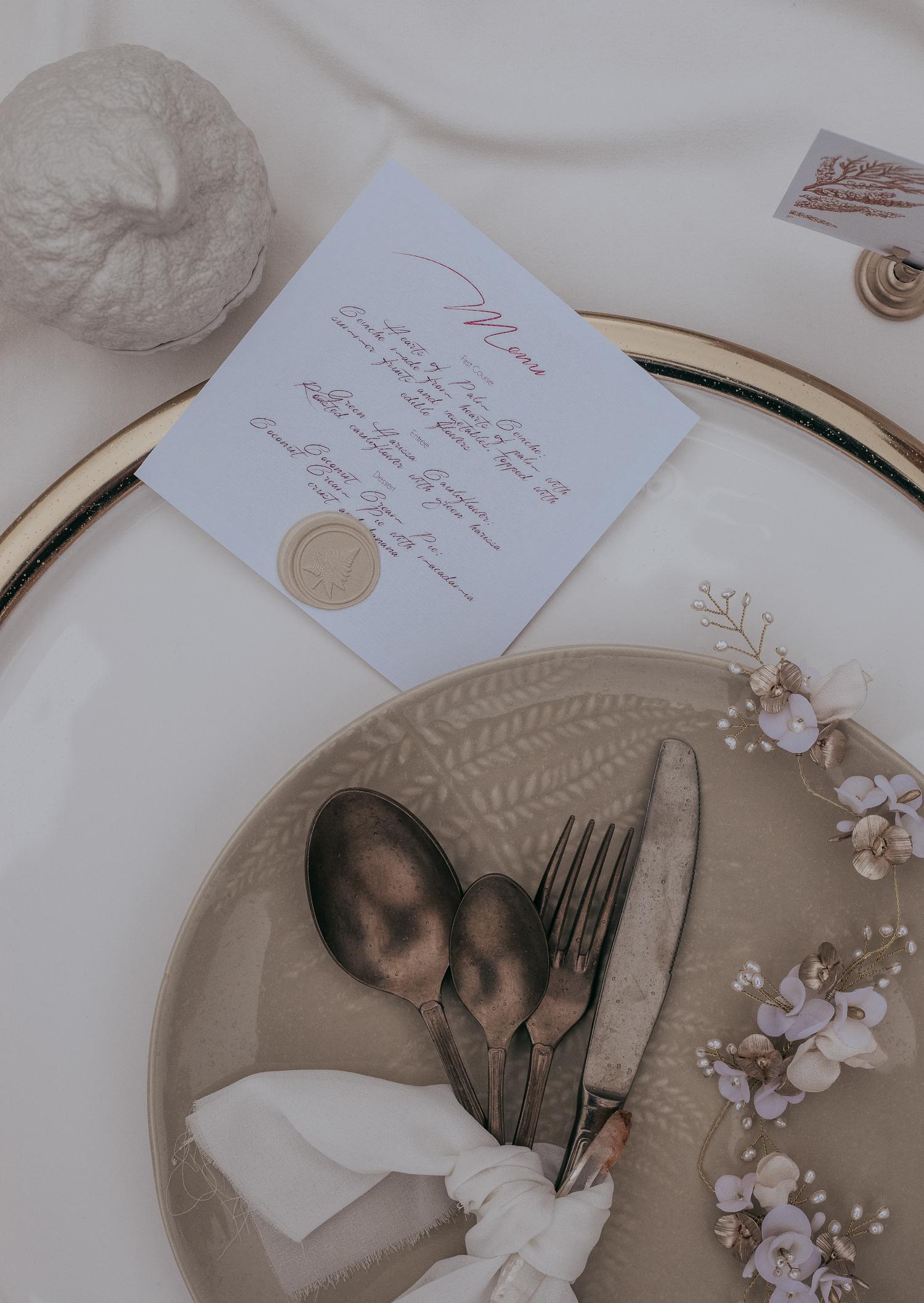 portugal-wedding-photographer-styled-shoot-with-diana-martin-earth-tones-menu-card.jpg