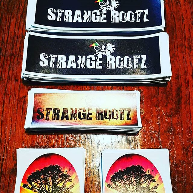 STICKERS ON DECK!  Come get yours at the next show!! 👇🏾 www.strangerootz.com  #Repost @customgigs • • • • • • Stickers we did for local band Strange rootz. Get yours today at customgigs.net