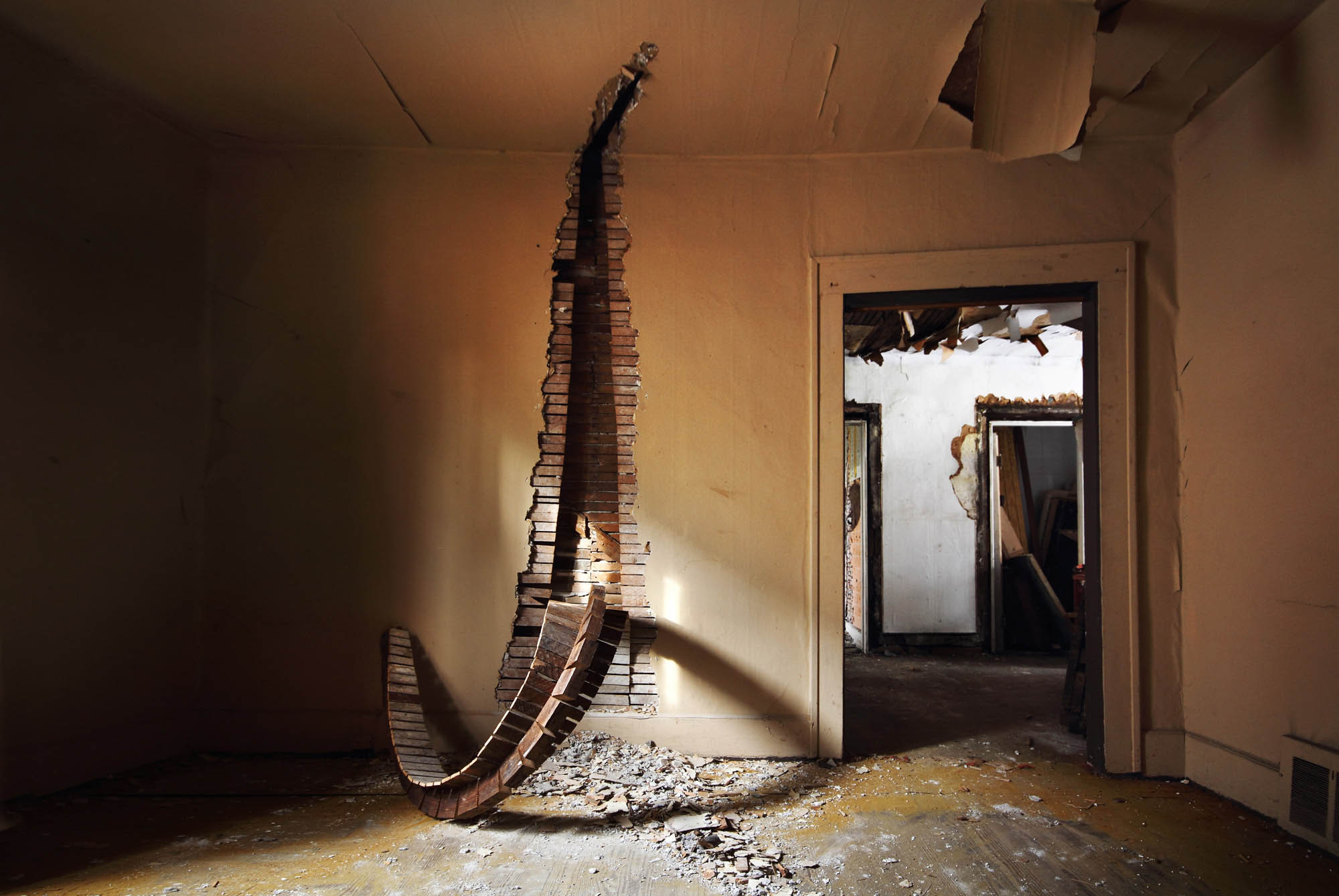 Pulling Supports - Wall intervention - Abandonded House - Detroi