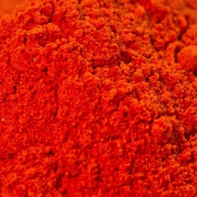 Random fact #278: Paprika has been used by zoos, mixed in with the flamingo feed in order to keep the bright pink hue of the birds. ⠀⠀⠀⠀⠀⠀⠀⠀⠀ ⠀⠀⠀⠀⠀⠀⠀⠀⠀ #changzhotsauce #hotsauce #changz #hot #sauce #chilli #chili #chillilover #chililover #chillies #habanero #jalapeno #chipotle #bbqchipotle #redhabanero #greenjalapeno #spicy #spicyaf #foodie #homemade #artisan #vegan #glutenfree #chillieating #hotones #hotaf #ringsting #hotsauceaddict #hotsaucelover