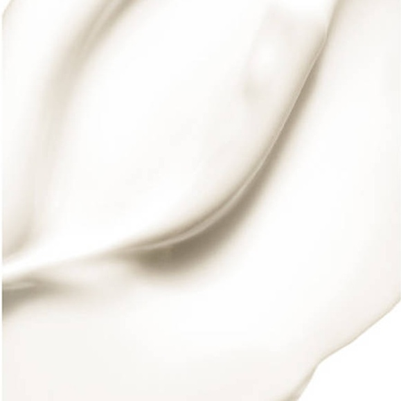 Cysteamine   •Without Thioglycolic Acid and Free Ammonia, OWAVE has a non-aggressive formula based on Cysteamine.   • An aminoacid derivative related to Keratin naturally present in hair, Cysteamine is a reducing agent that respects hair health. It changes your hair shape by acting on sulphur bridges and modifying hair fibre.