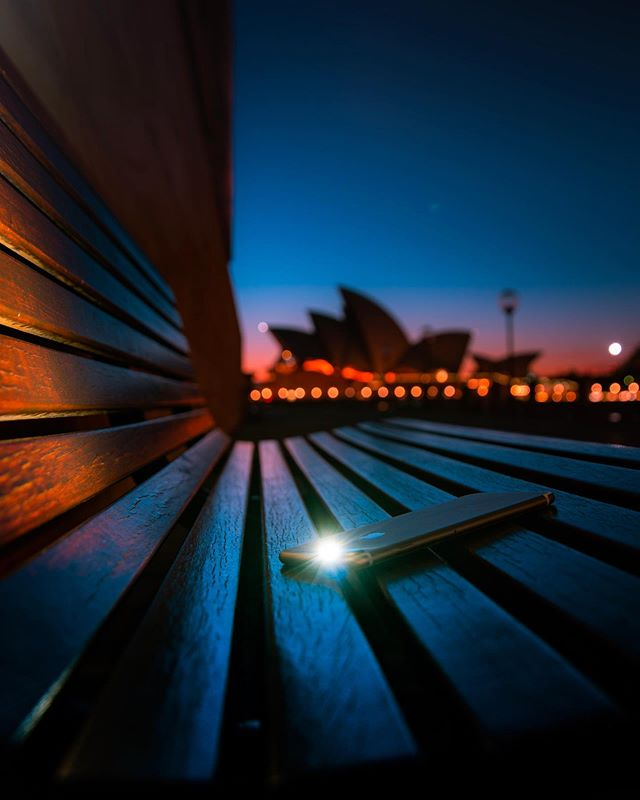 Now the days bleed into nightfall... . . . . . . . #depthobsessed #heatercentral #georgesfeatures #visualambassadors #artofvisuals #agameoftones #heatercentral #australiagram #ozshotmag #aussie_images #beautifuldestinations #moods_in_frame #moodygrams #visualgrams #createexplore #creativeoptic #createcommune #ilovesydney #ilovensw #sydney #sydney_insta #mynikonlife #ausigmaphoto #eclectic_shotz #bokeh #bokeh_shotz #citygrammers