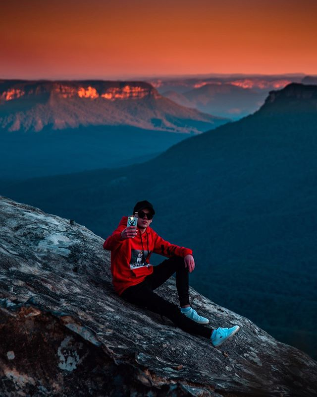 Take a peak into our world... @bluemountainsaustralia . . . . . . #explore_bluemountains #blumtsaus #ig_australia #aussie_images #ozshotmag #beautifuldestinations #moods_in_frame #eclectic_shotz #earth_shotz #ilovensw #createexplore #createcommune #australia_shotz #australiagram #ozscapers #creativeoptics #ig_killerz #gramslayers #animaleyelondon #ausigmaphoto #mynikonlife #shotzdelight #neverstopexploring