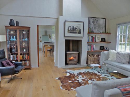 One-Gidleigh-Park-sitting-room-500x375.jpeg