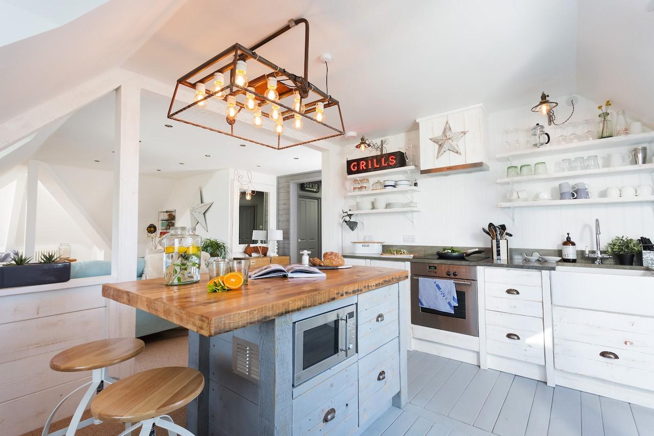 Fistral Loft super kitchen copy.jpg