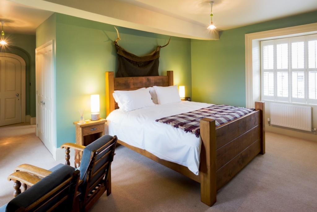 Whitrigg-House-BB-bedroom-1024x683.jpeg