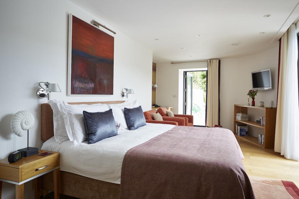 Kaywana-Hall-Ash-bedroom-1024x683.jpg