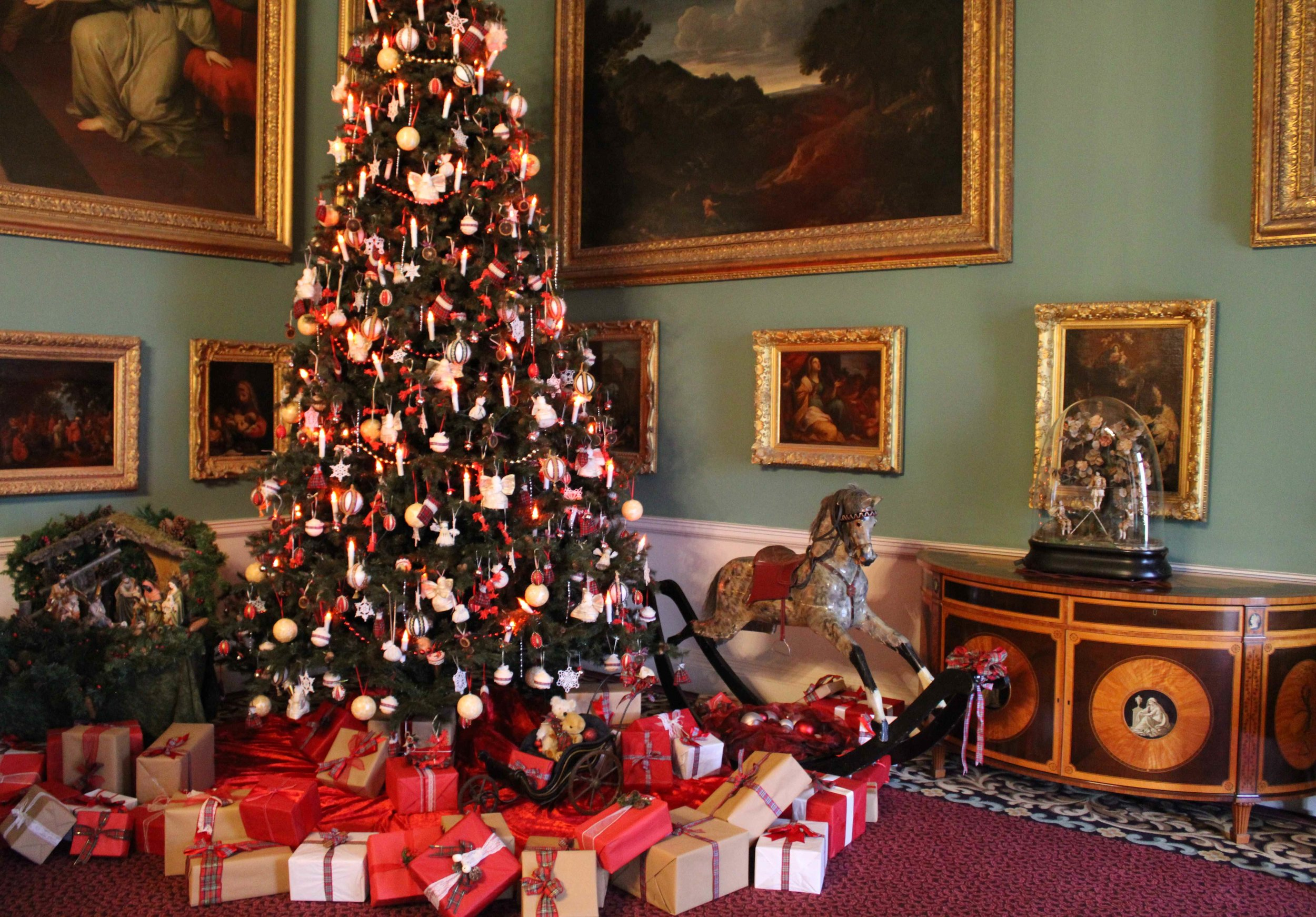 Victorian Style Christmas decorations at Stourhead, National Trust - Charlotte Toop