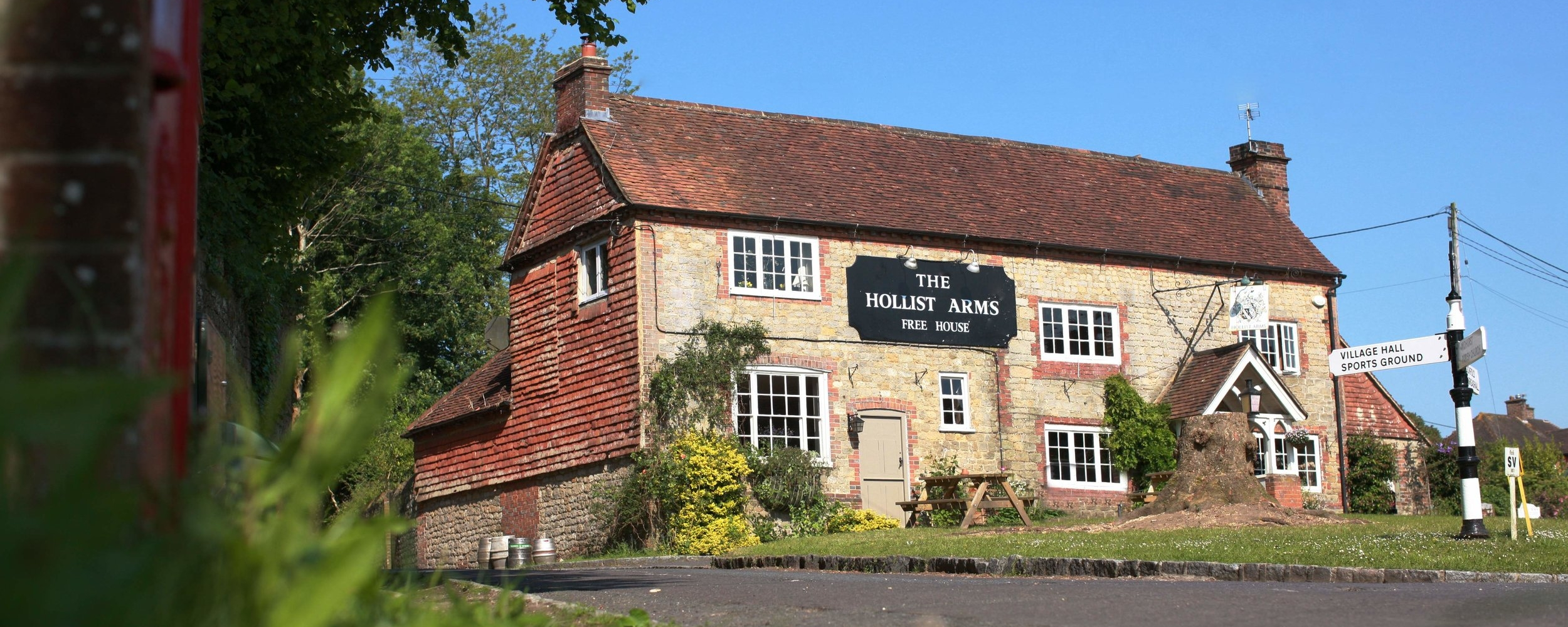 Hollist Arms outside