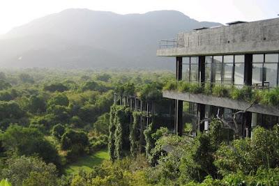 kandalama+Geoffrey+bawa+vaumm+arquitectos+091.jpg