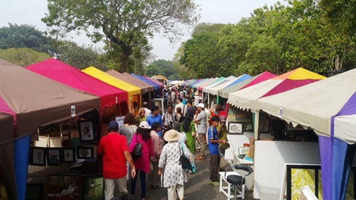 The popular Kala Pola Art Market. Photo credit: Arun Dias Bandaranaike