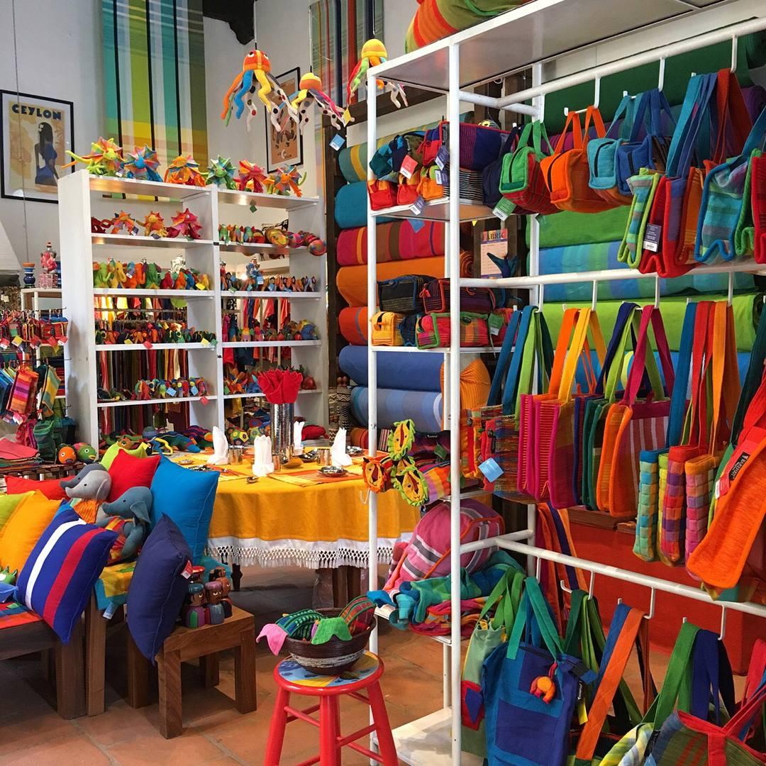 Barefoot store
