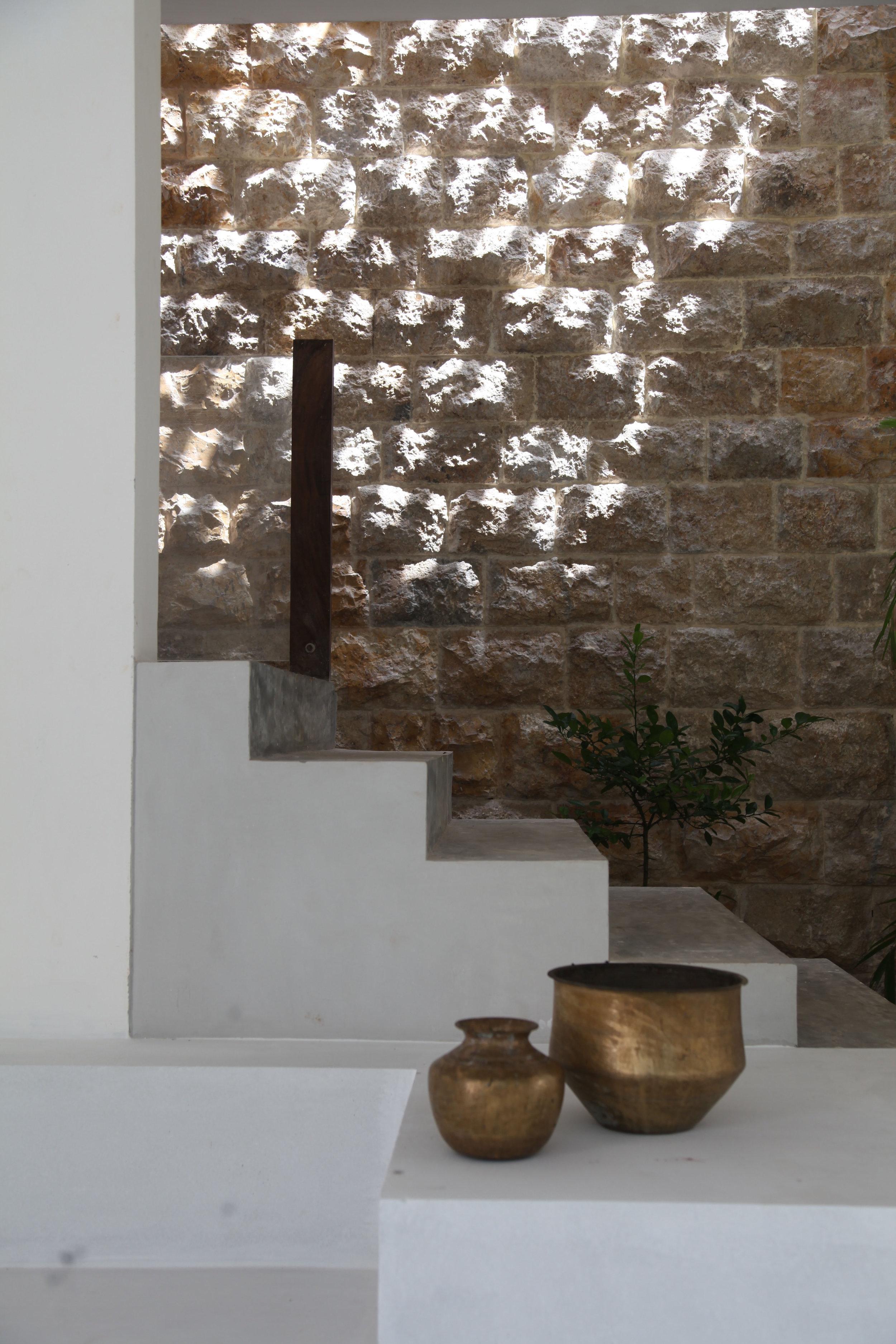 The Jaffna house - light, shadows and ventilation