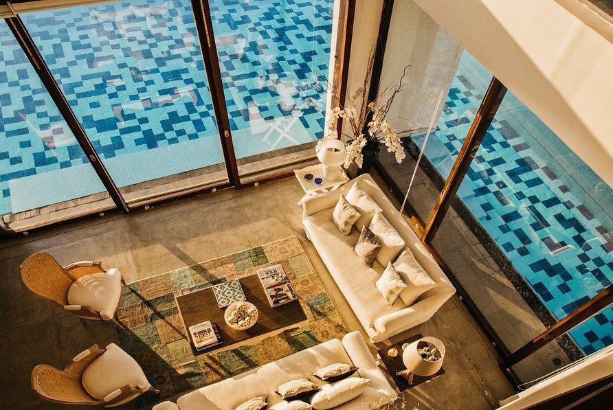 Villa Sante - inside transition to pool