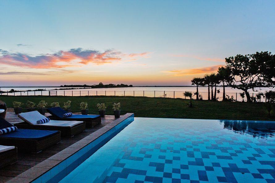 Villa Sante - infinity pool and water views