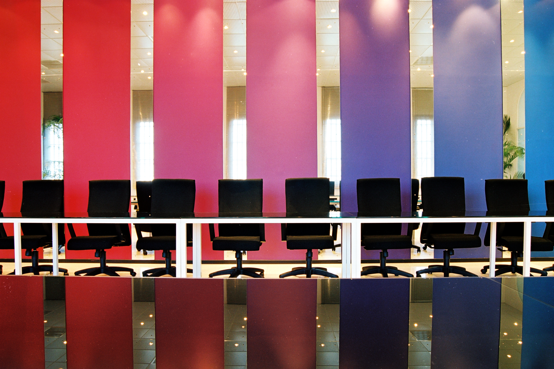 Ministry of Ports and Aviation - conference room colours