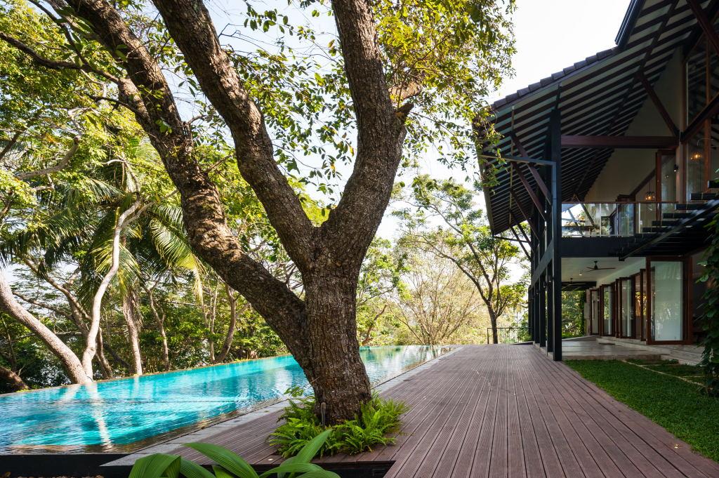 Bolgoda house - verandah overlooking lake