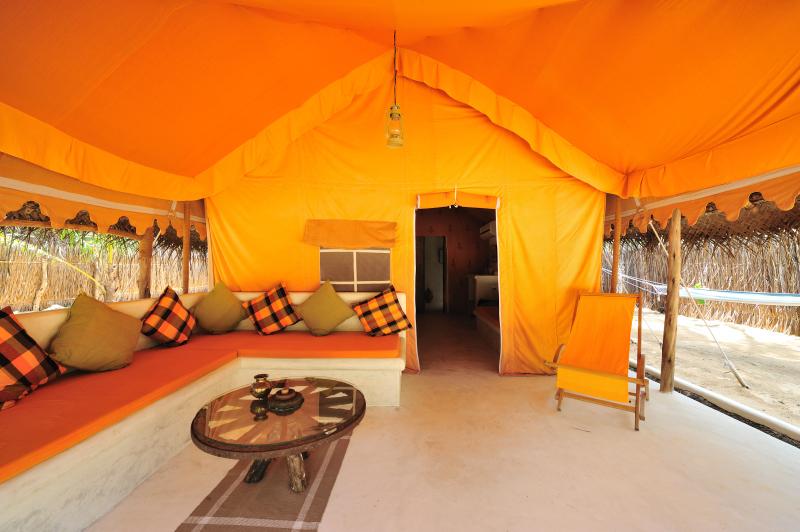 Dolphin Beach Resort - verandah of luxury tent