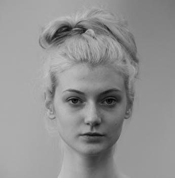 young-woman-shooting-model-157661.jpeg