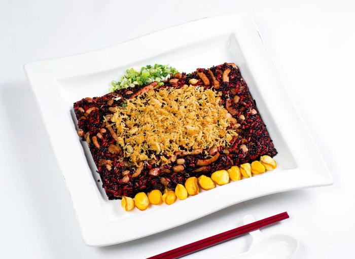 鳳眼果干貝紅麴米糕