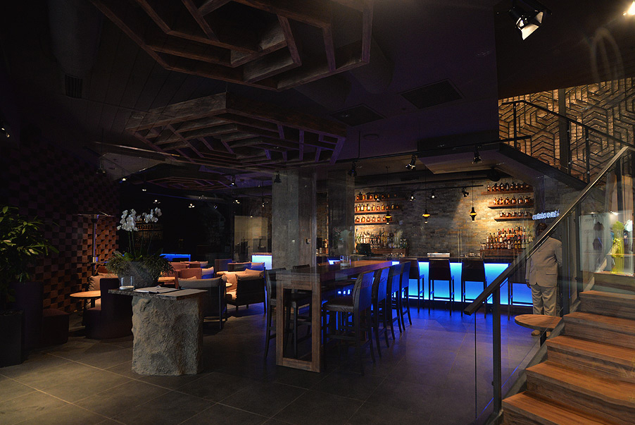 Restaurant Koya - Type of works: decorative products of metal and glass, manufacturing of bar counters