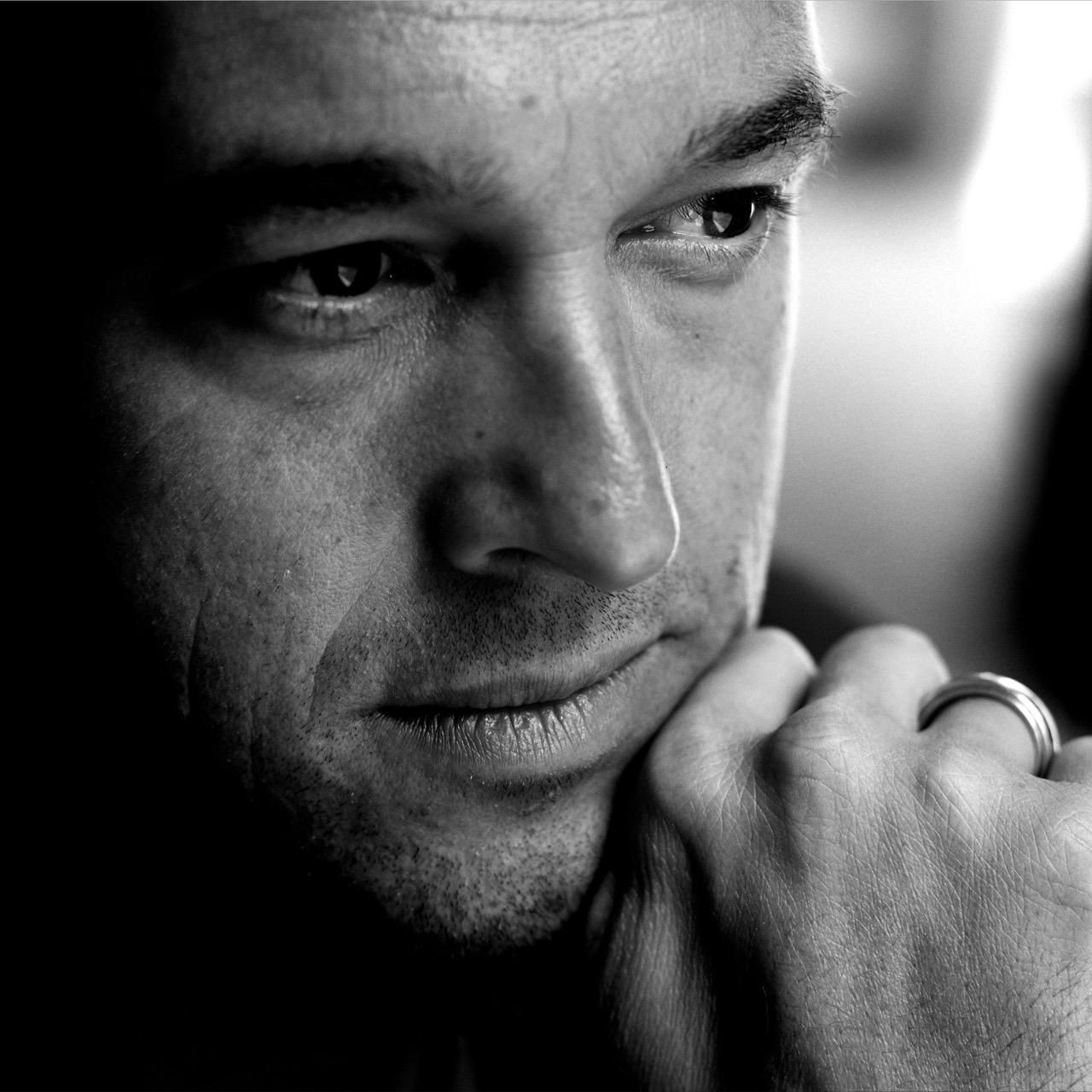 Albert Ostermaier - ist Lyriker, Dramatiker und Romancier. Er gehört seit vielen Jahren zu den meistgespielten deutschen Theaterautoren.