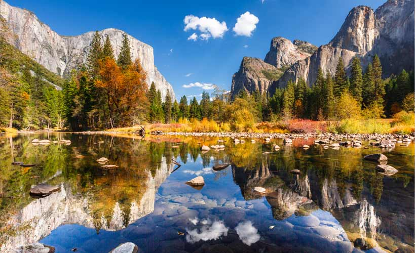 - 2017 International Challenge Exhibit at Yosemite. This event will feature some of the finest examples of landscape painting in the world. TIMES:9/30 from 10am - 5pm10/1 from 9am - 4pmIn addition to the exhibit, we have a variety of activities available including the Awards Ceremony, Artist Reception (open to the public), demonstrations, paint-outs and workshops. Attendees will receive free access to Yosemite National Park to paint or just to sight see.Yosemite Gateway Inn, 40530 CA-41, Oakhurst, CA 93644LEARN MORE