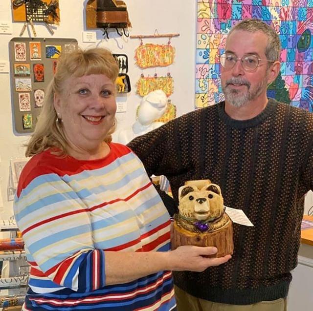 Congratulations Carole for finding ART the Bear on Wednesday at Williams Gallery West.  Thanks Jon for hosting him! #ARToberOakhurst #ARTthebear