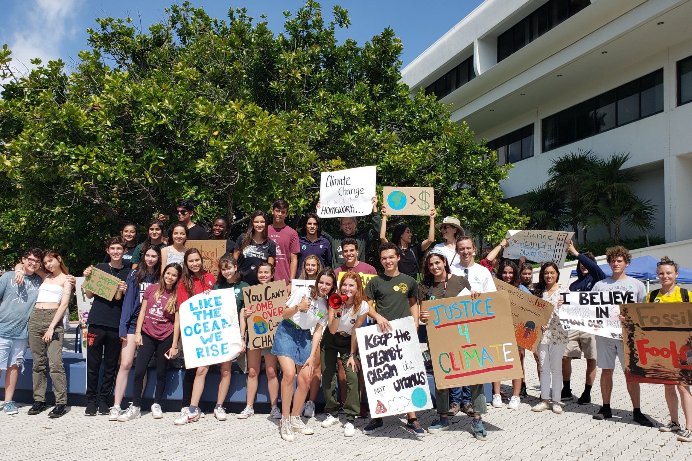 GenCLEO's Youth Empowerment - CLEO engages and empowers high school and college students, as well as young professionals to take climate action. Members attend climate trainings to stay up-to-date on climate change science and share ideas and network via meet-ups.