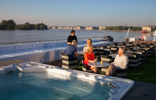 Sun Deck  Literally on top of the world, guests can happily spend hours lost in a book, enjoy the Teppanyaki BBQ or simply soak up the views. With plenty of comfy seating and a walking track for those active guests, there's an option for everyone.